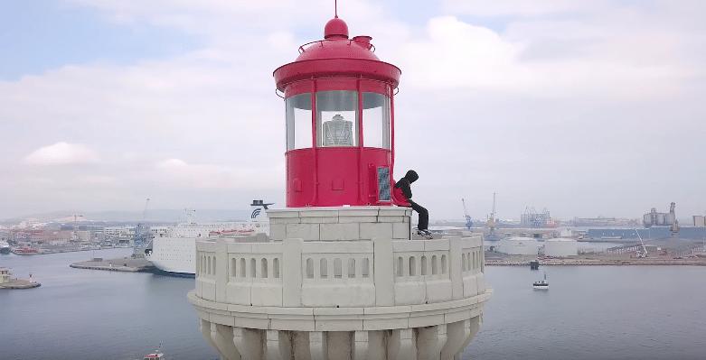 """Demi Portion illustre toute sa nostalgie dans le clip de """"Souvenir"""""""
