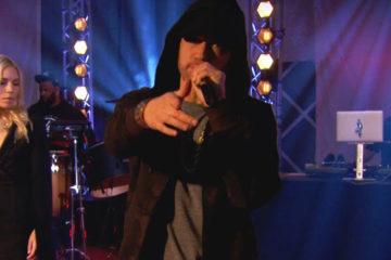 À la veille de la sortie de son nouvel opus, Eminem était de passage à la BBC pour un live un peu spécial