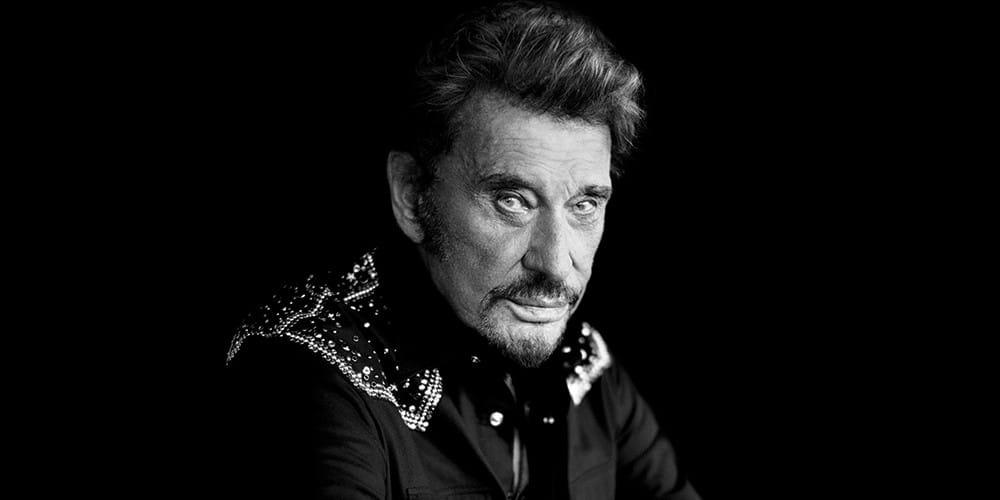 Le légendaire chanteur français Johnny Hallyday s'est éteint à l'âge de 74 ans. Emblème de la musique, de nombreux rappeurs ont souhaité réagir.