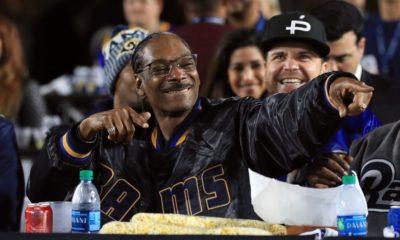 "Snoop Dogg reprend son classique ""Gin & Juice"" avec Shaquille O'Neal au beatbox"