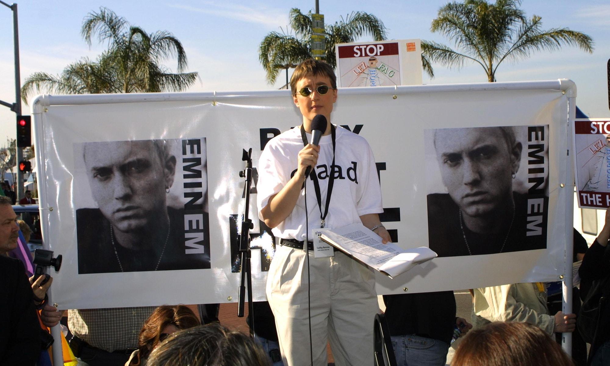 Des féministes appellent Spotify à boycotter Eminem
