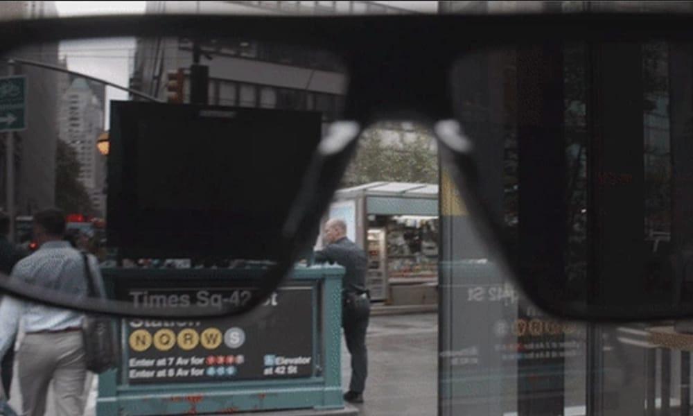 Des lunettes qui noircissent les panneaux publicitaires, c'est possible