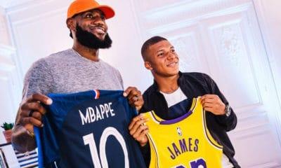 Lors d'un passage à Paris, Lebron a pu rencontrer Mbappé dans les locaux de Nike, rencontre gardée secrète durant ces derniers mois, à l'exception de quelques rares clichés. Nike dévoile enfin quelques bribes exclusives de leur conversation.