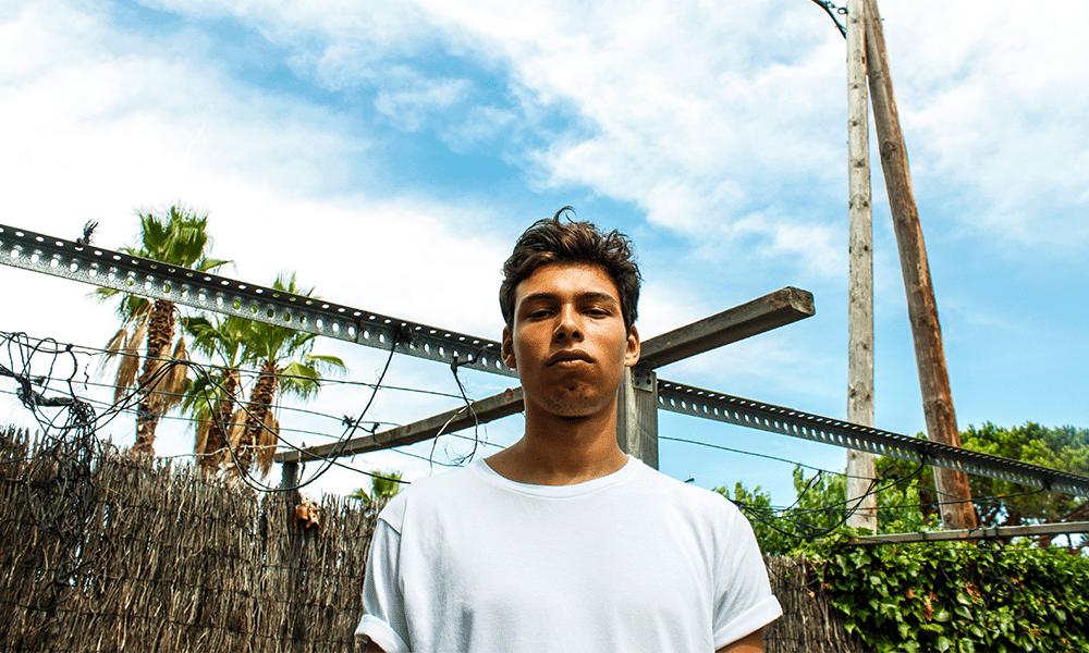 Avec XX5,Georgio a dévoilé son huitième projet en9 ans. À seulement 25 ans, la carrière du rappeur du 18e arrondissement est déjà bien accomplie, avec une discographie bien fournie et variée. Celle-ci garde néanmoins un fil conducteur : la sincérité poussée à son paroxysme.