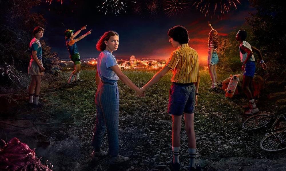 Stranger Things fait partie des nombreuses séries à succès de Netflix. Après une saison 2 achevée dans la première moitié de 2018, la date de la troisième saison est enfin tombée : ce sera le 4 juillet prochain.