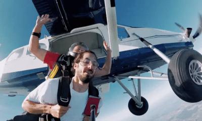 """Lomepal profite de la vie à sa manière pour le clip de """"Mômes"""""""