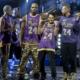 Hélicoptères en or et maillots en cristaux : l'hommage cata de Philipp Plein à Kobe