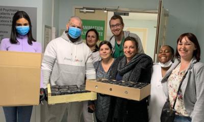Une nouvelle initiative est à applaudir du côté de la scène urbaine. Seth Gueko a mis son restaurant au service de l'Hôpital de Pontoise et a offert cinquante repas au personnel soignant.