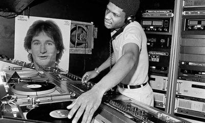 Suite à la sortie de dernier album du duo électro Disclosure rempli de collaborations avec des rappeurs, on profite de cette occasion pour revenir sur le Hip-House, premier melting pop entre le hip hop et l'électro.