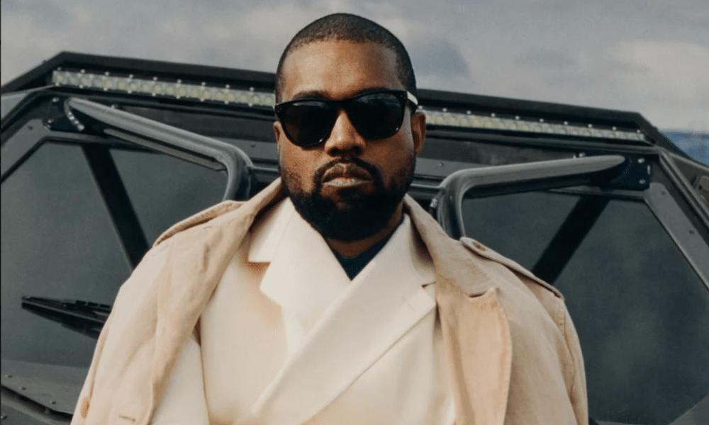 Troisième place dans un sondage pour les présidentielles américaines, Kanye West a décidé de sortir une chanson pour fêter cet exploit.